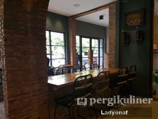 Foto 7 - Interior di Chief Coffee oleh Ladyonaf @placetogoandeat