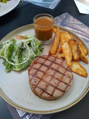 Foto 1 - Makanan(Tenderloin Entree Steak 150gr) di Justus Steakhouse oleh @eatlikepanda