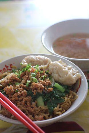 Foto 2 - Makanan di Bakmi Bangka Emen oleh perutrakuss