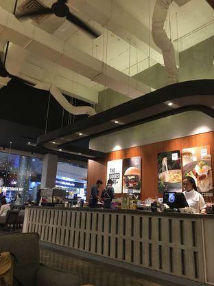 Foto 2 - Interior di The Goods Cafe oleh Prido ZH