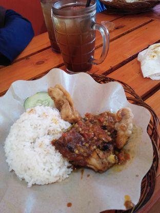Foto - Makanan di Ayam Goreng Nelongso oleh TLiyaP