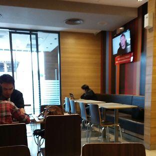 Foto 7 - Interior(Kursi bagian belakang) di McDonald's oleh Galih Ditya Saecaria