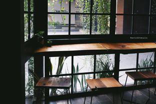 Foto 5 - Interior di Fillmore Coffee oleh Indra Mulia