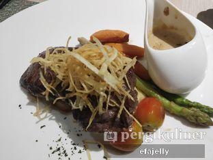 Foto 2 - Makanan(Sirloin Steak) di Spice Restaurant - Oakwood Hotel & Residence Surabaya oleh efa yuliwati