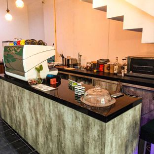 Foto 14 - Interior di PLUIE Cafe & Resto oleh duocicip