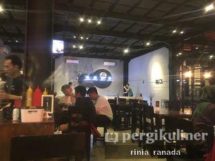 Foto 5 - Interior di Ali Kopi Roastery oleh Rinia Ranada