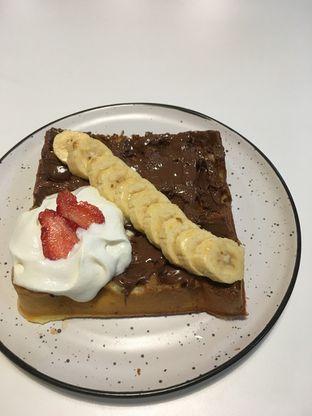 Foto 30 - Makanan di BROWNFOX Waffle & Coffee oleh Prido ZH