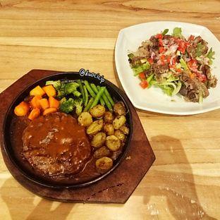 Foto 4 - Makanan di Cafe MKK oleh felita [@duocicip]