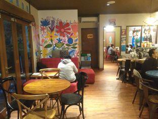 Foto 5 - Interior di Kopium Artisan Coffee oleh Renodaneswara @caesarinodswr