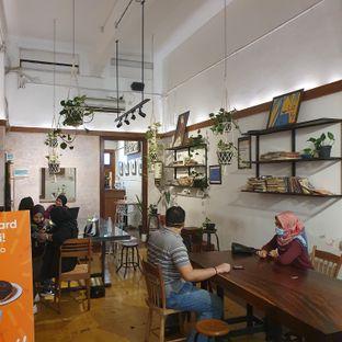 Foto 2 - Interior di Kopi Toko Djawa oleh BiBu Channel