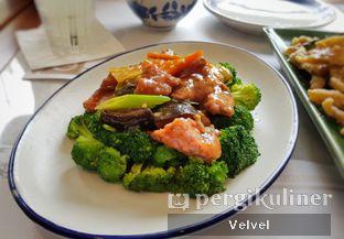 Foto 5 - Makanan(Tumis Brokoli dan Daging Sapi) di Minq Kitchen oleh Velvel
