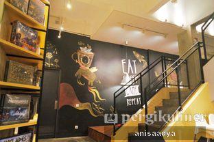 Foto 11 - Interior di The Bunker Cafe oleh Anisa Adya