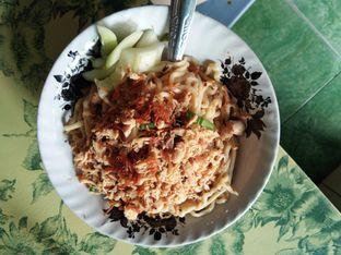 Foto 2 - Makanan di Pangsit Tenda Biru oleh ochy  safira