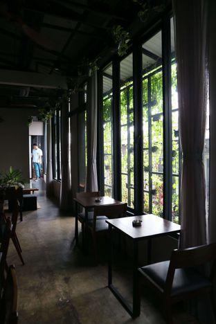 Foto 2 - Interior di 7AM Coffee oleh feedthecat