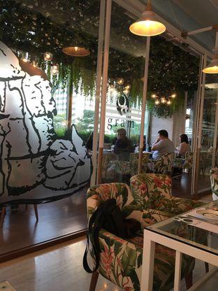 Foto 7 - Interior di Gram Cafe & Pancakes oleh Jeljel
