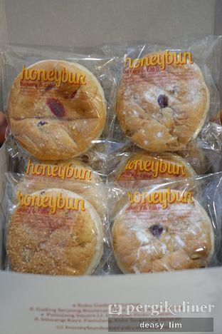 Foto 6 - Makanan di Honeybun Bakery & Cake oleh Deasy Lim