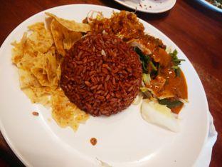Foto 3 - Makanan(Nasi Pecel Spesial Karmila) di Sambal Khas Karmila oleh Threesiana Dheriyani