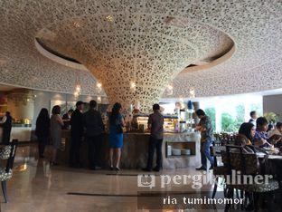 Foto 2 - Interior di The Cafe - Hotel Mulia oleh Ria Tumimomor