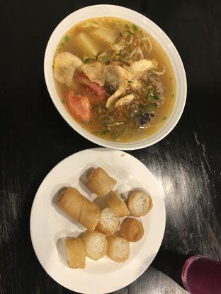 Foto 1 - Makanan di Soto Betawi Nyonya Afung oleh Kami  Suka Makan