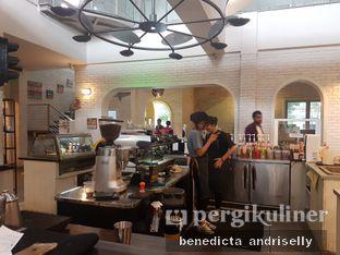 Foto 7 - Interior di Trafique Coffee oleh ig: @andriselly