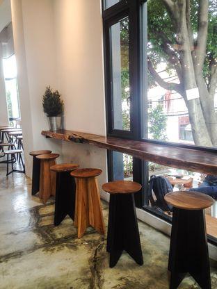 Foto 1 - Interior di Crematology Coffee Roasters oleh Annisa Putri Nur Bahri