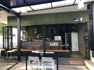 Foto 6 - Interior di Miluyu Coffee Lounge oleh Fadhlur Rohman