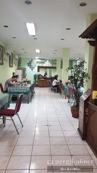 Foto 5 - Interior di Ayam Goreng Suharti oleh UrsAndNic