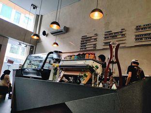 Foto 4 - Interior di Awesome Coffee oleh iminggie