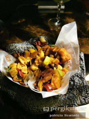 Foto 1 - Makanan(Chicken sechuan) di Shu Bar oleh Patsyy