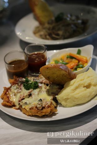 Foto 1 - Makanan di B'Steak Grill & Pancake oleh UrsAndNic
