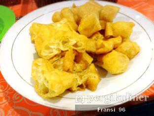 Foto 4 - Makanan di Bubur Ayam Tangki 18 Aguan oleh Fransiscus