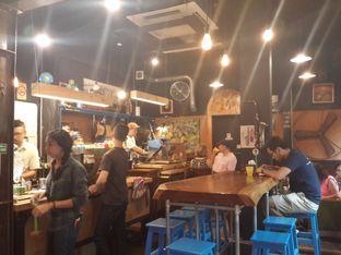 Foto 4 - Interior(indoor) di Giyanti Coffee Roastery oleh Stella Maris