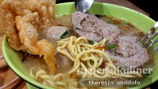 Foto 2 - Makanan di Bakso Solo Samrat oleh IG @priscscillaa