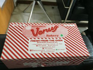 Foto review Roti Unyil Venus oleh Yohanacandra (@kulinerkapandiet) 3