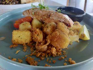 Foto 5 - Makanan(Pan seared salmon) di Twin House oleh Komentator Isenk