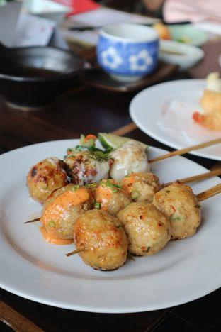 Foto 3 - Makanan(Tori Tsukune Kushiyaki 3 Kinds) di Enmaru oleh Eunice