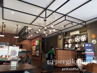 Foto 3 - Interior di Wheels and Brakes Cafe oleh Prita Hayuning Dias