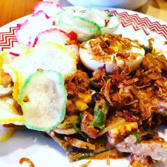 Foto Makanan di Kedai Soto Betawi Ibu Lie Moy