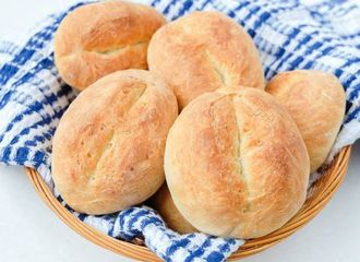 5 Roti Klasik Khas Jerman yang Cocok Buat Menu Sarapan