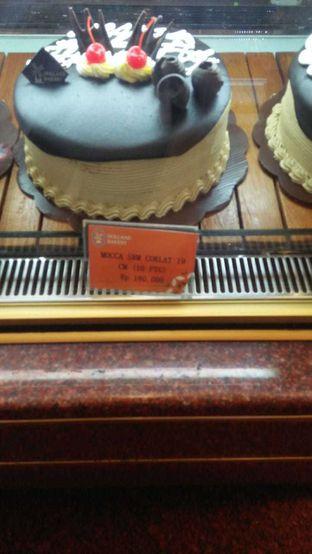 Foto 2 - Makanan di Holland Bakery oleh Devi Renat