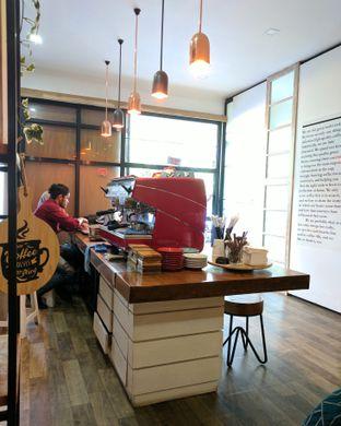 Foto 1 - Interior di Neighborhood Coffee oleh Nafinia Putra