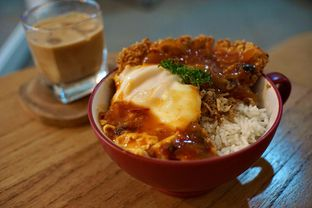 Foto 3 - Makanan(Rice Bowl Pivot) di Pivot Coffee oleh Fadhlur Rohman