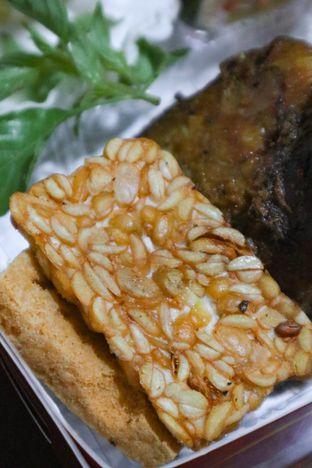 Foto 2 - Makanan di Bebek BKB oleh thehandsofcuisine