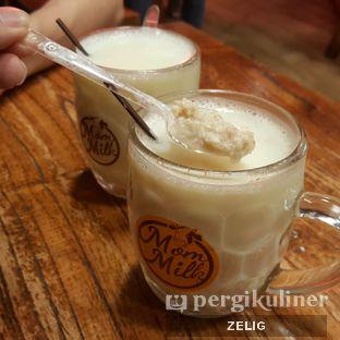 Foto 1 - Makanan di Mom Milk oleh @teddyzelig
