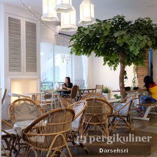 Foto 7 - Interior di Sudoet Tjerita Coffee House oleh Darsehsri Handayani