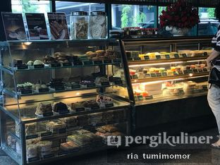 Foto 1 - Interior di Restoran Beautika Manado oleh riamrt