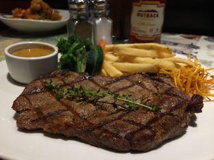 Foto 1 - Makanan di Outback Steakhouse oleh Dyah Ayu Pamela