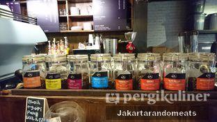 Foto 14 - Interior di Kopi Boutique oleh Jakartarandomeats