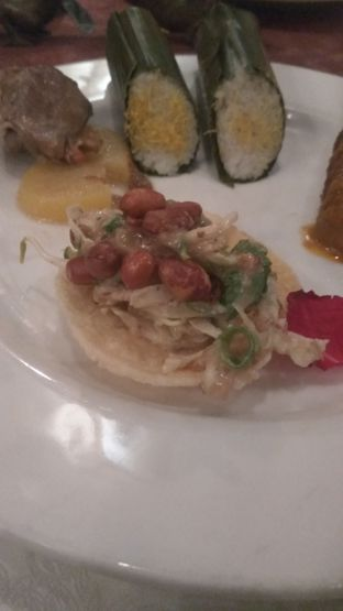 Foto 5 - Makanan di Tugu Kunstkring Paleis oleh Renodaneswara @caesarinodswr