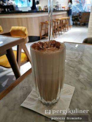 Foto 3 - Makanan(Brouwen ice coffee) di Brouwen Coffee & Kitchen oleh Patsyy